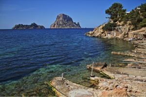 The HOUSES IN IBIZA Prime Real Estate Market SUMMER 2015 REPORT