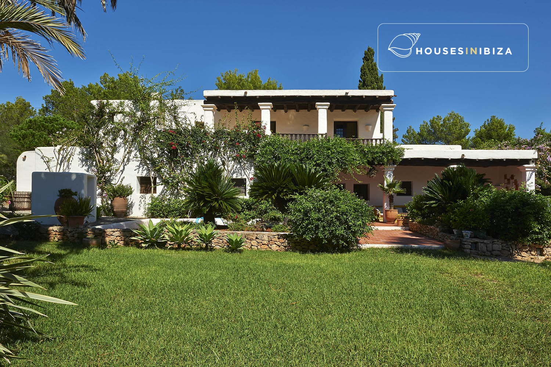 Beautiful finca set in a lush mature garden near santa - Ibiza house renting ...